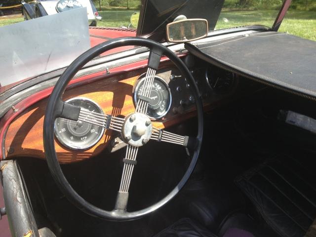 steering wheel1